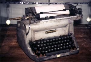 Hemingway's typewriter. Copyright: Victoria Brooks.